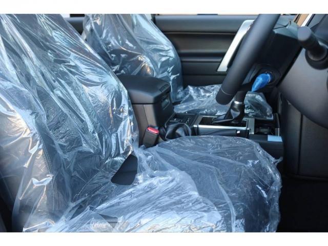 TX Lパッケージ 新車未登録 カスタムパッケージ 2インチリフトUP NITRO17AW&BFG・ATタイヤ 9インチナビ&バックカメラ&ETC サンルーフ&ルーフレール 寒冷地仕様 サイドバイザー フロアマット(5枚目)