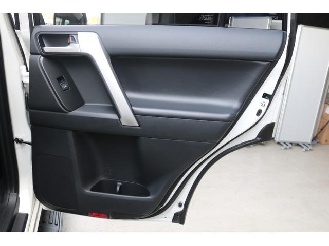 TX Lパッケージ・ブラックエディション 新車未登録 新品2UP 新品ジオX-AT 新品アルパインナビ 新品Bカメラ&ETC 専用AW 専用ルーフレール 寒冷地仕様 サンルーフ サイドバイザー サイドステップ フロアマット(60枚目)
