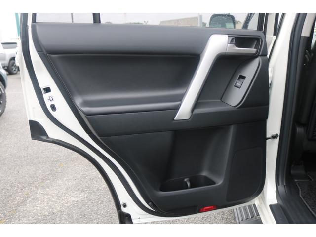 TX Lパッケージ 2インチリフトUP MGゴーレム17インチAW ジオランダーMTタイヤ アルパインBIG-Xナビ バックカメラ ETC車載器 サンルーフ ルーフレール 寒冷地仕様 クリアランスソナー バイザー マット(38枚目)