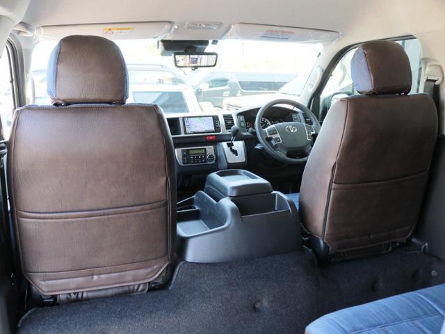 GL 10人乗り3ナンバー登録 ガソリン4WD 寒冷地仕様 内装アレンジVer1デニム バンパーガード オーバーフェンダー 16インチAW ナビ ETC 後席モニター ベッド テーブル 床張り(20枚目)