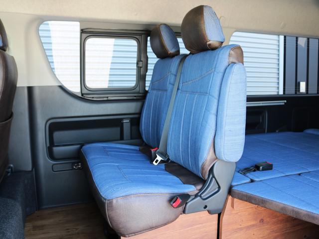 GL 10人乗り3ナンバー登録 ガソリン4WD 寒冷地仕様 内装アレンジVer1デニム バンパーガード オーバーフェンダー 16インチAW ナビ ETC 後席モニター ベッド テーブル 床張り(28枚目)