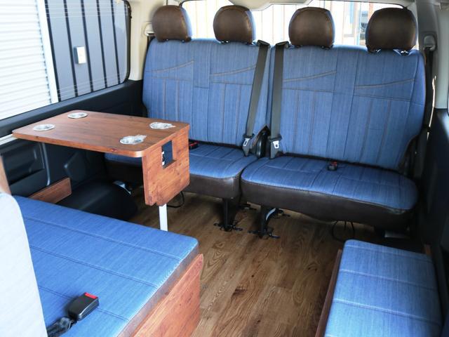 GL 10人乗り3ナンバー登録 ガソリン4WD 寒冷地仕様 内装アレンジVer1デニム バンパーガード オーバーフェンダー 16インチAW ナビ ETC 後席モニター ベッド テーブル 床張り(31枚目)