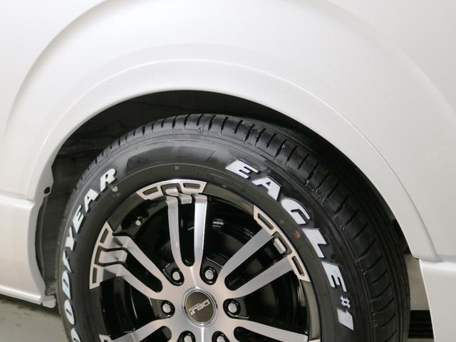 GL 10人乗り3ナンバー登録 ガソリン2WD ローダウン 17インチアルミホイール ナビ ETC フルフラットベッド展開 脱着式センターテーブル 3人掛けシートセカンドシート 床張り(15枚目)