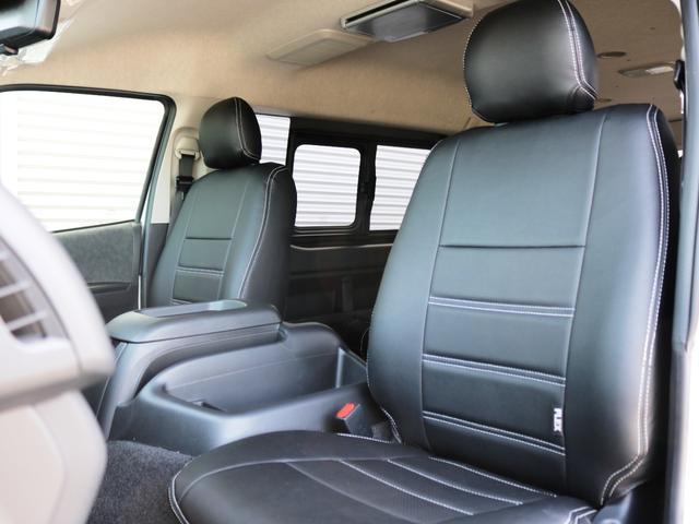 GL 10人乗り3ナンバー登録 ガソリン2WD ローダウン 17インチアルミホイール ナビ ETC フルフラットベッド展開 脱着式センターテーブル 3人掛けシートセカンドシート 床張り(18枚目)