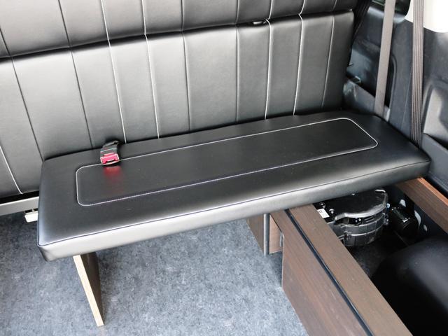 GL 10人乗り3ナンバー登録 ガソリン2WD ローダウン 17インチアルミホイール ナビ ETC フルフラットベッド展開 脱着式センターテーブル 3人掛けシートセカンドシート 床張り(29枚目)