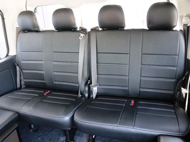 GL 10人乗り3ナンバー登録 ガソリン2WD ローダウン 17インチアルミホイール ナビ ETC フルフラットベッド展開 脱着式センターテーブル 3人掛けシートセカンドシート 床張り(34枚目)
