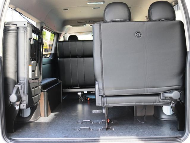 GL 10人乗り3ナンバー登録 ガソリン2WD ローダウン 17インチアルミホイール ナビ ETC フルフラットベッド展開 脱着式センターテーブル 3人掛けシートセカンドシート 床張り(35枚目)