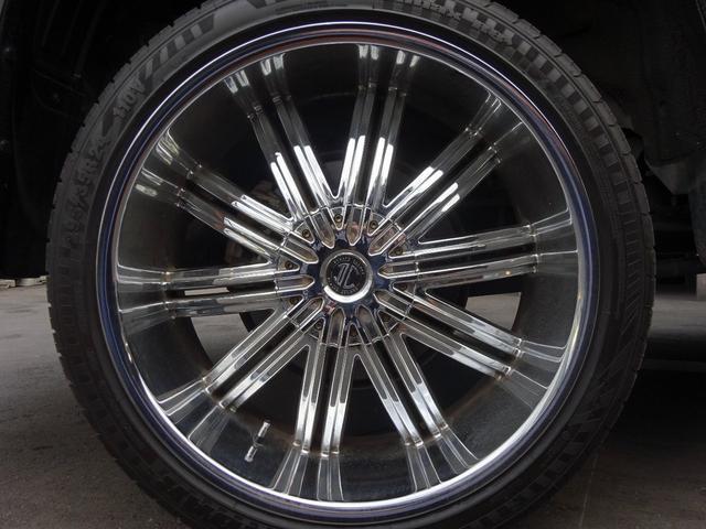 本場アメリカの有名メーカー!2クレイブ大口径の深リム24インチアルミを装着!アメリカン ラグジュアリースタイルでBIGボディのランクルに良く似合う☆高級SUV!ランクルの存在感を引立たせインパクト大!