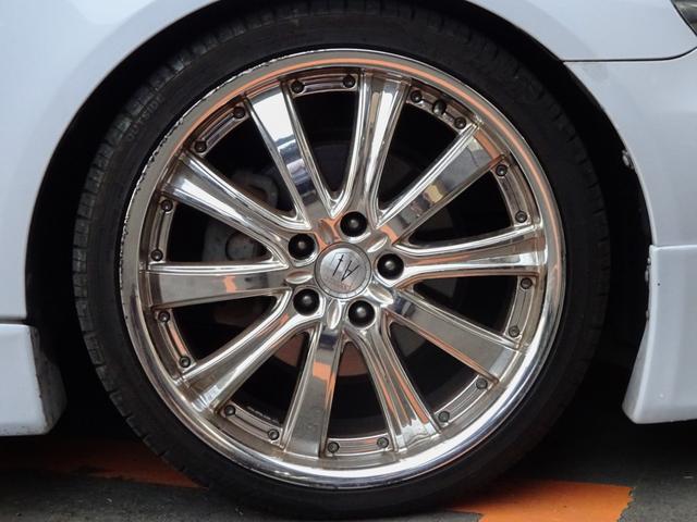 250G 後期・社外フルエアロ・アネーロ19インチAW・車高調・HIDライト・フィルムガラス・HDDナビ・地デジTV・走行中可能・バックカメラ・ETC・両側パワーシート・ステアリングスイッチ・フルカスタムカー(4枚目)