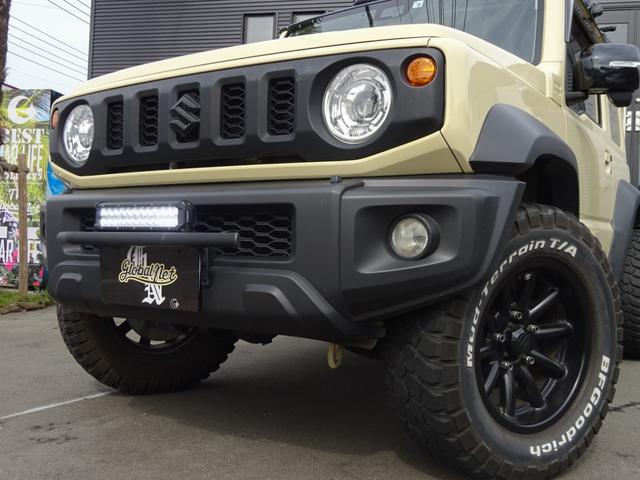 JC 1オーナー・MT車・4WD・リフトアップ・BFホワイトレタータイヤ・2トーンカラー・ルーフキャリア・LEDライト・安全装備・SDナビ・TV・BT音楽・ETC・シートヒータ・USB・LEDヘッド/フォグ(2枚目)