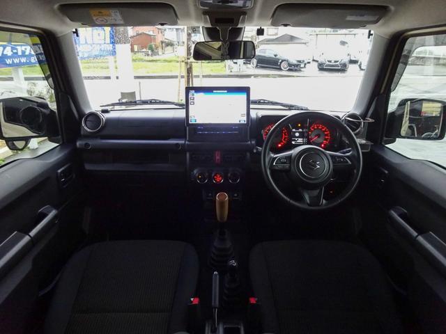 JC 1オーナー・MT車・4WD・リフトアップ・BFホワイトレタータイヤ・2トーンカラー・ルーフキャリア・LEDライト・安全装備・SDナビ・TV・BT音楽・ETC・シートヒータ・USB・LEDヘッド/フォグ(3枚目)