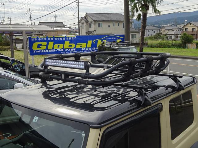 JC 1オーナー・MT車・4WD・リフトアップ・BFホワイトレタータイヤ・2トーンカラー・ルーフキャリア・LEDライト・安全装備・SDナビ・TV・BT音楽・ETC・シートヒータ・USB・LEDヘッド/フォグ(8枚目)