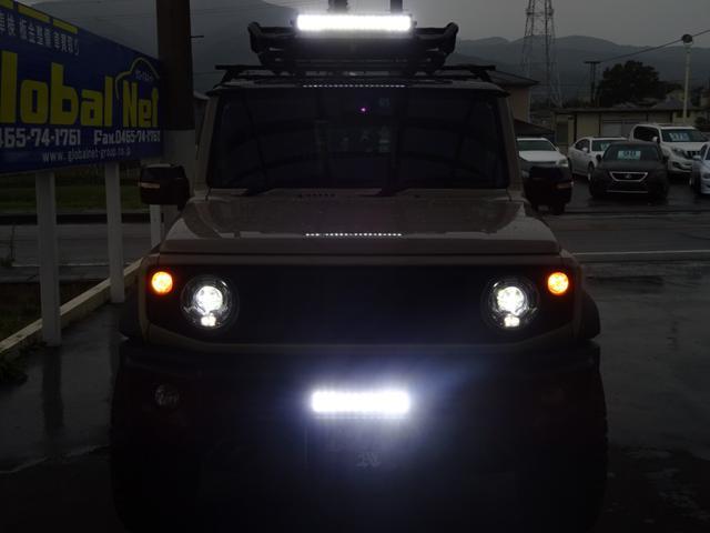 JC 1オーナー・MT車・4WD・リフトアップ・BFホワイトレタータイヤ・2トーンカラー・ルーフキャリア・LEDライト・安全装備・SDナビ・TV・BT音楽・ETC・シートヒータ・USB・LEDヘッド/フォグ(19枚目)
