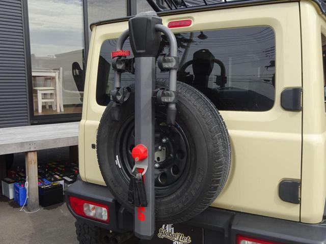 JC 1オーナー・MT車・4WD・リフトアップ・BFホワイトレタータイヤ・2トーンカラー・ルーフキャリア・LEDライト・安全装備・SDナビ・TV・BT音楽・ETC・シートヒータ・USB・LEDヘッド/フォグ(26枚目)
