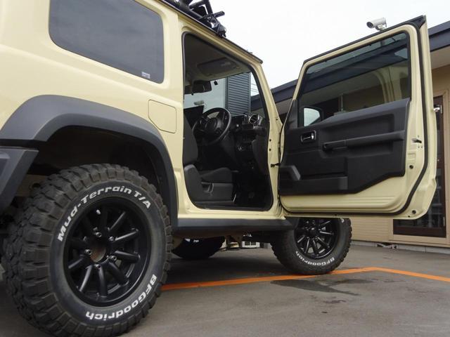 JC 1オーナー・MT車・4WD・リフトアップ・BFホワイトレタータイヤ・2トーンカラー・ルーフキャリア・LEDライト・安全装備・SDナビ・TV・BT音楽・ETC・シートヒータ・USB・LEDヘッド/フォグ(28枚目)