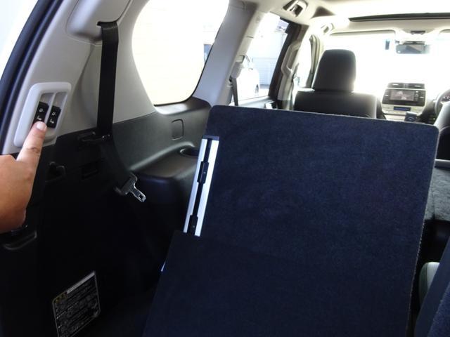 TX Lパッケージ 後期・7人乗り・4WD・黒本革・サンルーフ・LEDヘッド・Tコネクトナビ・TV・BT音楽・Bカメラ・ETC・安全装備・前後コーナーセンサー・電度3列目シート・シートヒーター/クーラー・走行中視聴可能(16枚目)