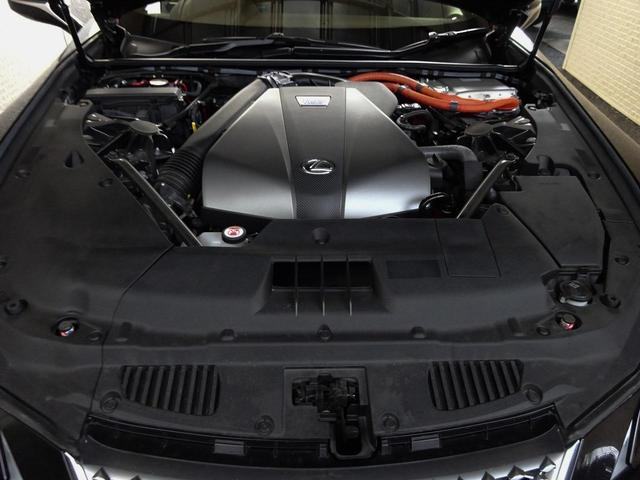 LC500h 1オーナー・ハイブリッド・アルカンターラ本革・OP21AW・カーボンルーフ・スピンドルグリル・3眼LEDヘッド・リアフォグ・大型SDナビ・地TV・Bカメラ・ETC2.0・安全装備・BSM・低走行(35枚目)