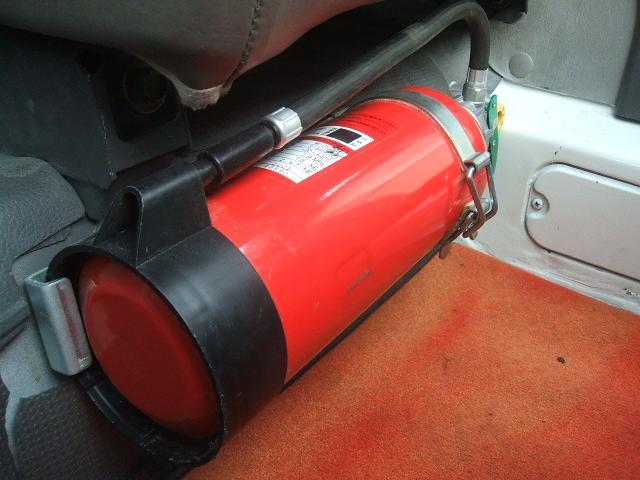 万が一に備え、消火器も装備されております!弊社フリーダイヤル0066-9706-9697 お気軽にご連絡下さい!