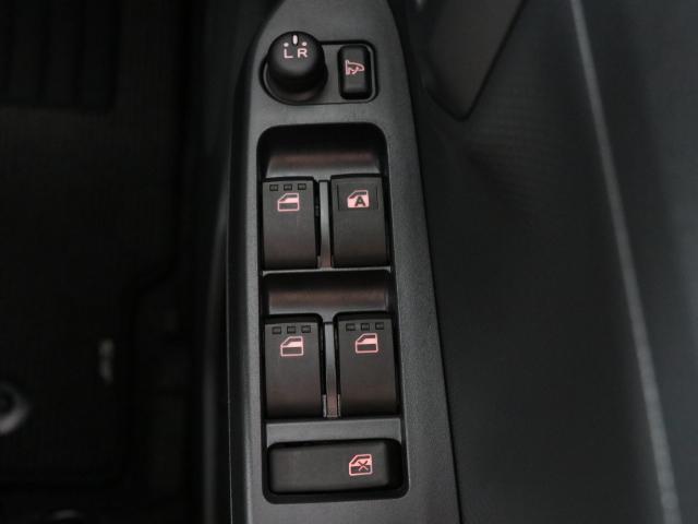 X リミテッドSA3 リースアップ車 新品メモリーナビ付(7枚目)