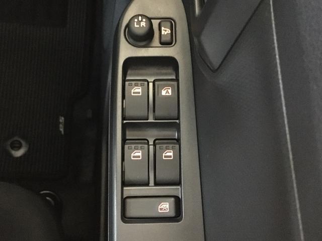 X リミテッドSA3 リースアップ車 CD キーレス装備(6枚目)