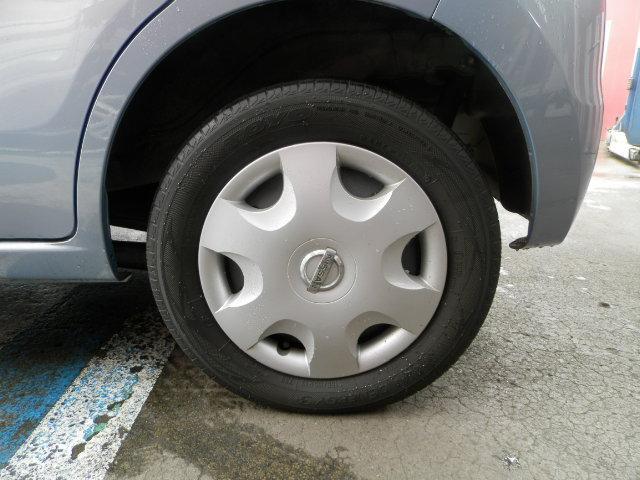 タイヤの溝も残ってます!!!ピッカピカ!!!オシャレは足元からですね!!!お得のアルミセットも大好評!サマータイヤからスタッドレスタイヤまで!海外・国産ともにお取り扱いをしております!!!