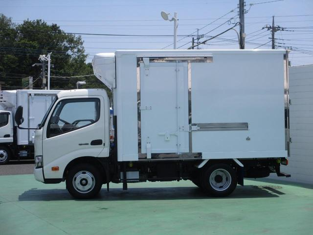 4.0Dターボ 冷蔵冷凍車-30℃設定 2t積(2枚目)