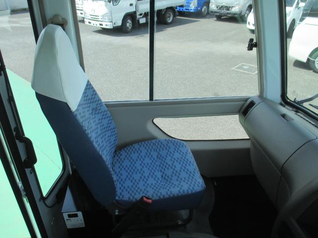3.0Dターボ 29人乗り 自動ドア(14枚目)