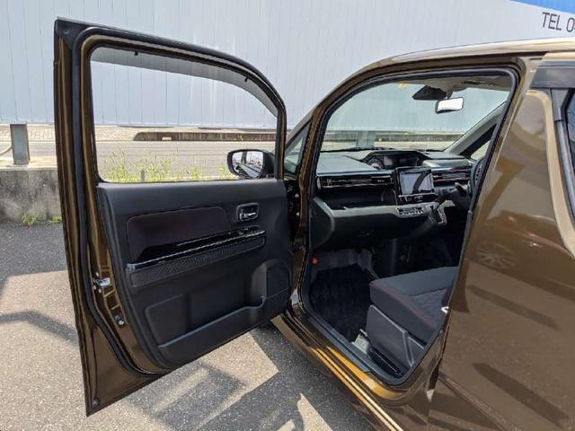 ハイブリッドT 人気のハイブリッド車両 全周囲モニター ヘッドアップディスプレイ 純正地デジナビ Bluetooth スマートキー アイドリングストップ シートヒーター LEDヘッドライト 純正エアロ オートライト(14枚目)