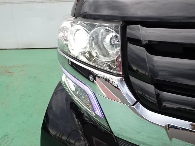 カスタムターボSSブラックスタイルPKG 8型ナビ 両側電動(11枚目)
