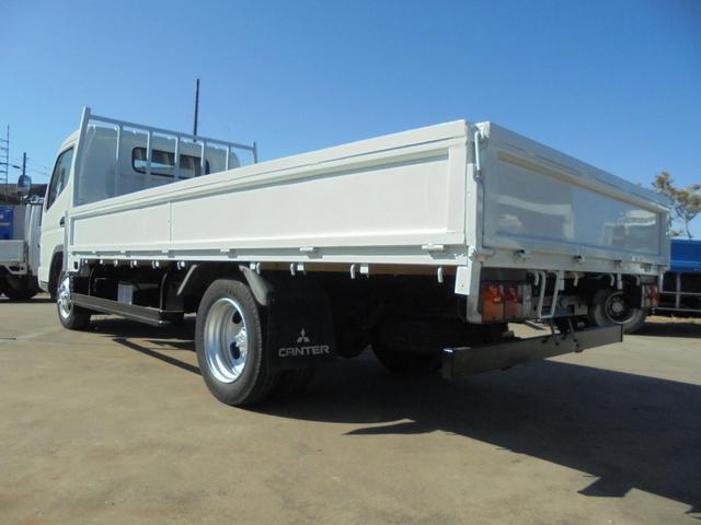 荷台内寸は、長さ434cm、幅207cm、高さ38cmになります。