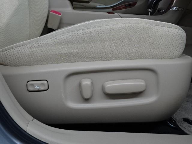 A15 Gプラスパッケージ 純正フルセグSDナビ バックカメラ DVD映像再生可 ETC HIDライト スマートキー パワーシート 室内除菌 車検整備付(13枚目)
