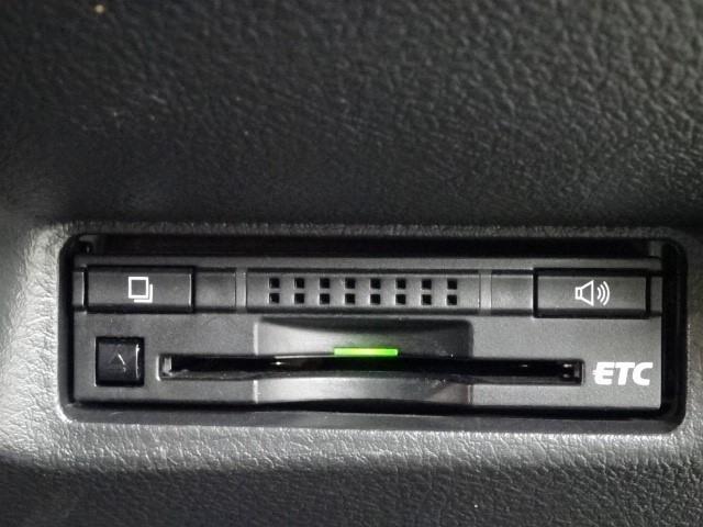 1.8S ワンオーナー スマートキー メモリーナビ バックカメラ ETC HIDヘッドライト フルセグ DVD再生 走行距離49000Km(9枚目)