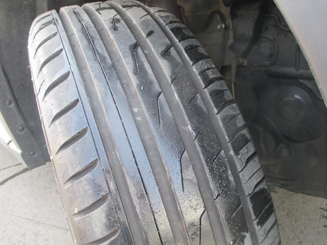 タイヤはかなり深溝です。まだまだこれからです。