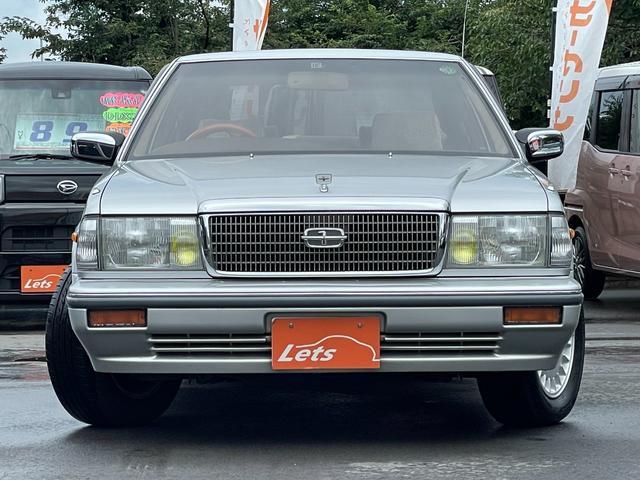 平成5年式の車ですが、塗装のクリア褪せ等なくとても綺麗な状態です。