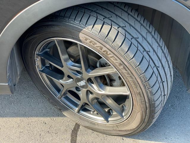 アルミは17インチのRMP 025Fでタイヤは前2019、後ろ2020年製でまだまだ山あります。純正のアルミホイールも4本あります。