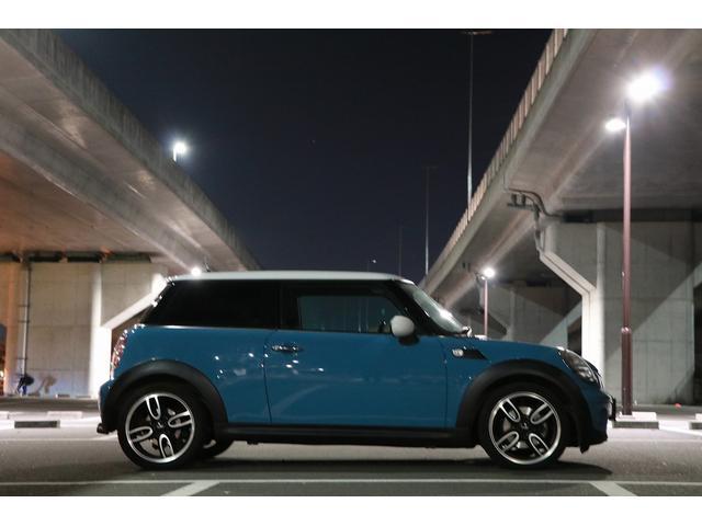 「MINI」「MINI」「コンパクトカー」「愛媛県」の中古車18