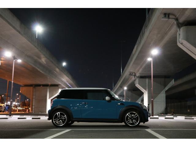 「MINI」「MINI」「コンパクトカー」「愛媛県」の中古車26