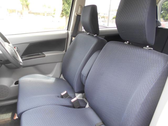 フロントシートきれいです。