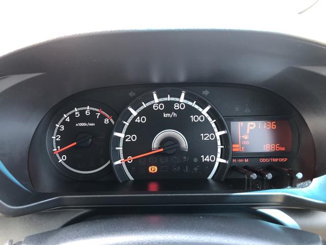 走行距離1886キロになります。まだまだこれからのキョリですね!見やすいスピードメーターですね。