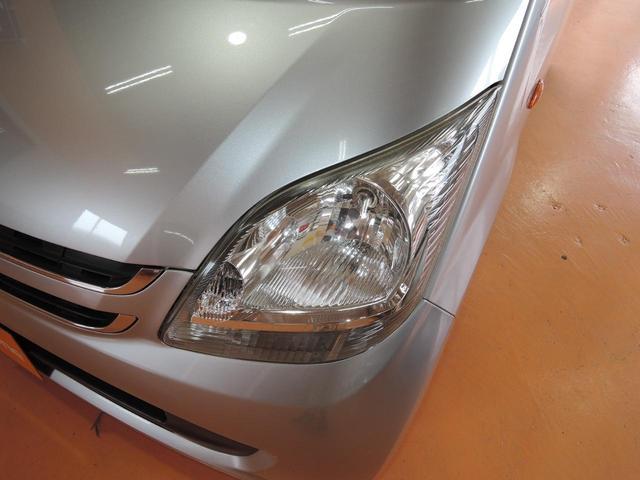 外装仕上げでは全車ポリッシャー仕上げを行っております。高級な上質なポリマー配合のハイブリッドタイプのワックスを使用しております。