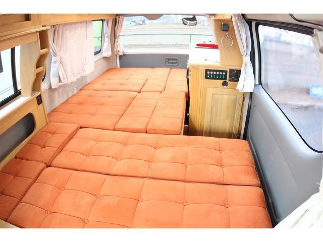 トヨタ ハイエースワゴン キャンピング ナッツRV キャッツ