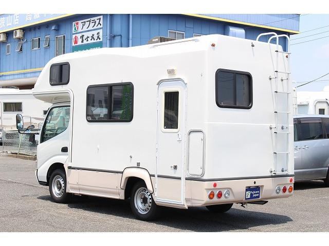 キャンピングカー ナッツRV ミラージュ 1500Wインバーター シンク コンロ 架装部TV 走行中リアヒータークーラー 走行充電 ツインサブ ルーフベント 走行充電 外部充電 7名乗車6名就寝(26枚目)