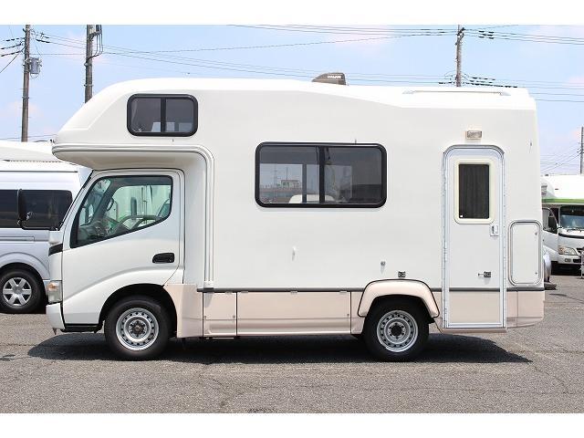 キャンピングカー ナッツRV ミラージュ 1500Wインバーター シンク コンロ 架装部TV 走行中リアヒータークーラー 走行充電 ツインサブ ルーフベント 走行充電 外部充電 7名乗車6名就寝(27枚目)