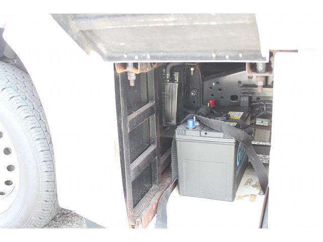 キャンピングカー ナッツRV ミラージュ 1500Wインバーター シンク コンロ 架装部TV 走行中リアヒータークーラー 走行充電 ツインサブ ルーフベント 走行充電 外部充電 7名乗車6名就寝(63枚目)