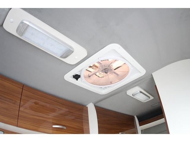 トヨタ ハイエースバン ネストツールズ アルタイル 新規架装 ルーフベント 冷蔵庫