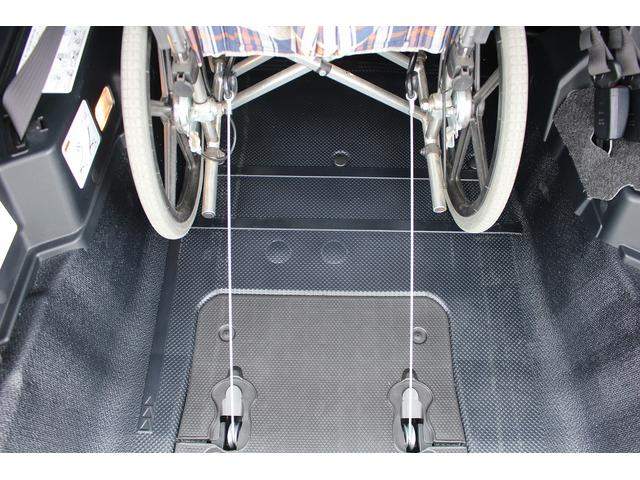X ウェルキャブ 車いす仕様車タイプIセカンドシート付き(4枚目)