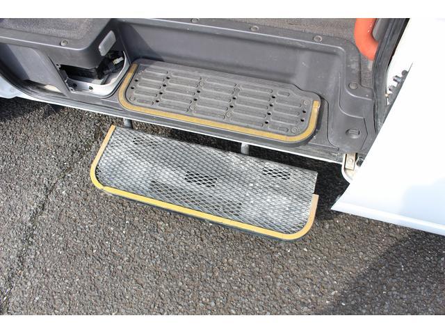 4ドア2.5チェアキャブM仕様 シートカバー 新品タイヤ4本(14枚目)