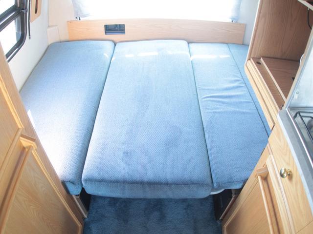 広々としたダイネットベッド!就寝人数2名!180cm×130cm!