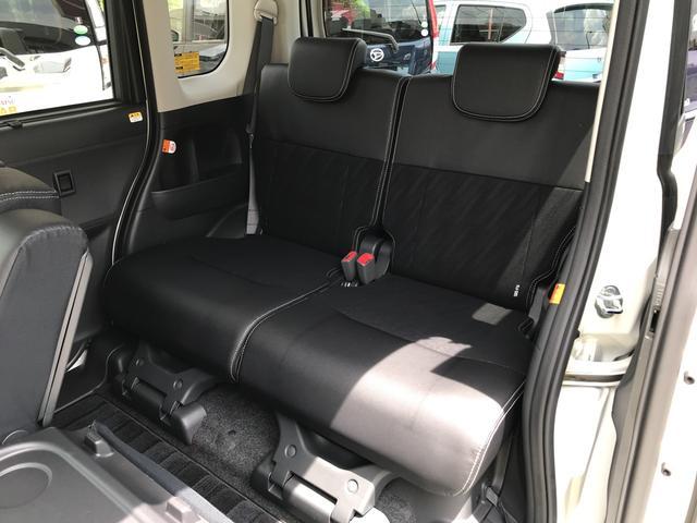 リヤシートはスライドリクライニング収納と多機能です