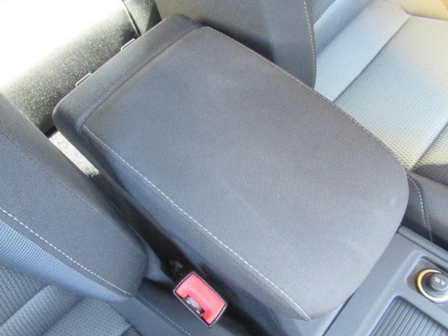 TSIコンフォートラインブルーモーションテクノロジー アダプティプクルーズコントロール ポータブルナビ バックカメラ ミュージックプレーヤー接続可 ワンオーナー 記録簿 運転席&助手席&サイドエアバック 横滑り防止装置 ABS アイドリングストップ(37枚目)